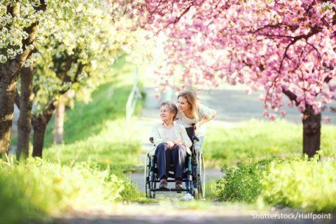 Begegnung mit älteren Personen